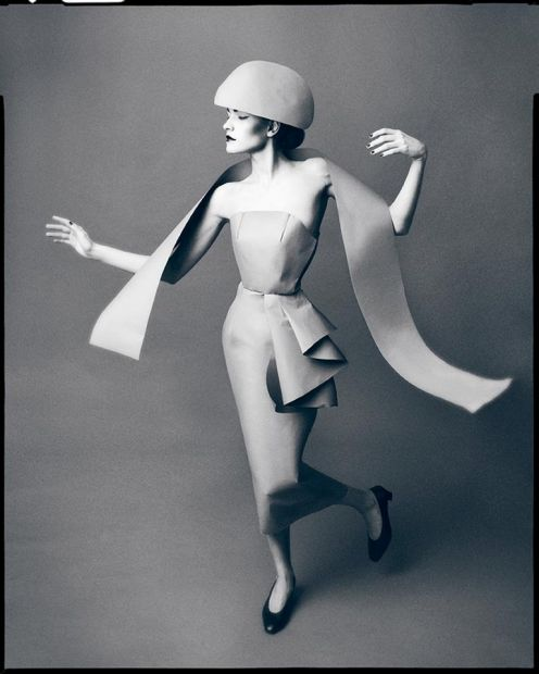 Another homage to Richard Avedon, this time with paper.